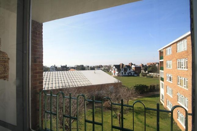 2 bed flat for sale in London Road, Westcliff-On-Sea