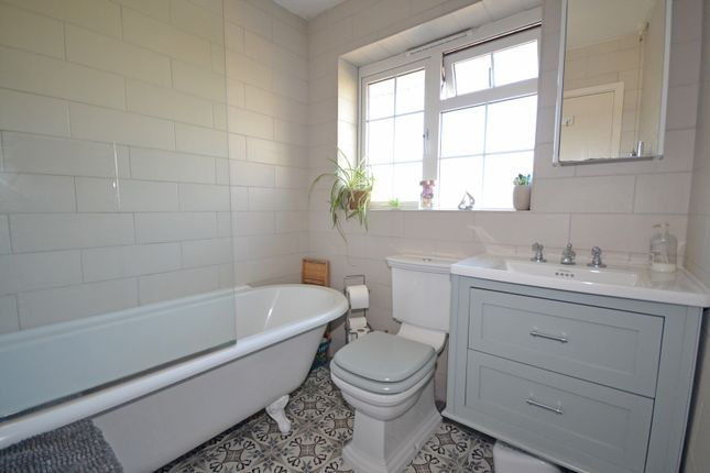 Family Bathroom of North Road, Selsey PO20