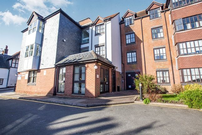 Thumbnail Flat for sale in Station Street, Lewes