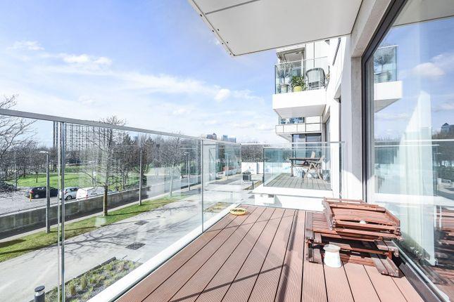 Balcony of Roper, Reminder Lane, Parkside, Greenwich Peninsula SE10