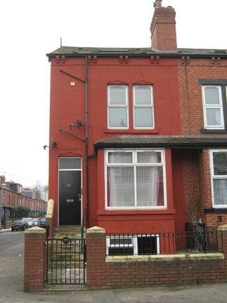 Thumbnail Flat to rent in Tempest Road, Beeston, Leeds