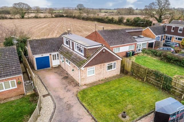 Thumbnail Bungalow for sale in Gould Road, Hampton Magna, Warwick