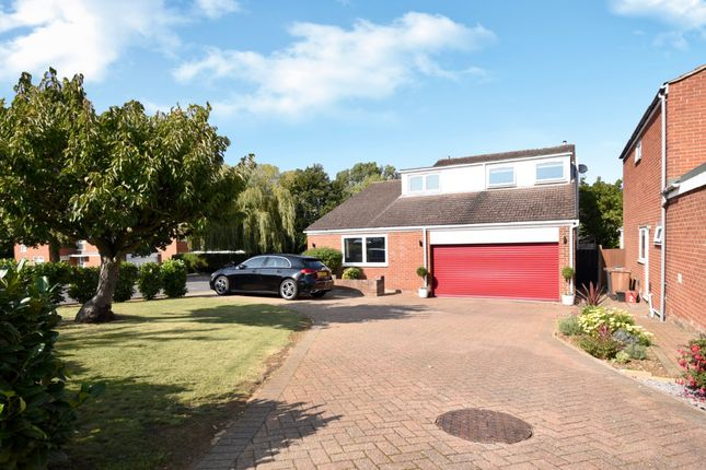 Thumbnail Detached house for sale in Walsham Close, Stevenage