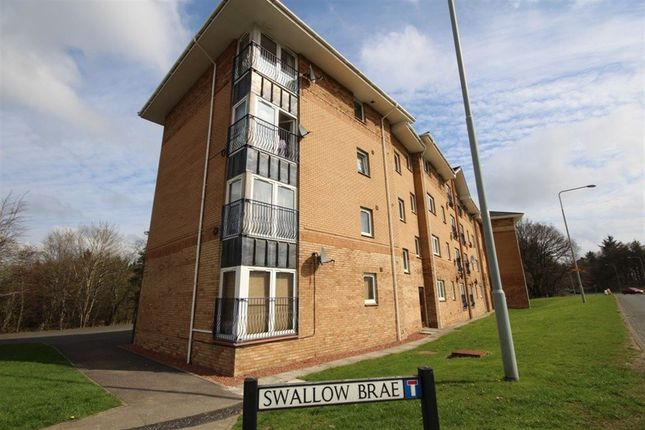 2 bed flat to rent in Swallow Brae, Ladywell West, Livingston