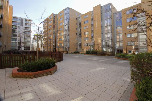 Thumbnail Flat for sale in Cassilis Road, London, London