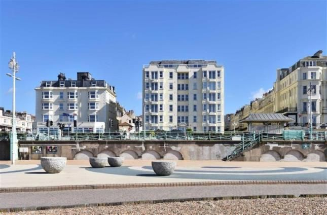 2 bed flat for sale in Kingsley Court, 142 Kings Road, Brighton, East Sussex