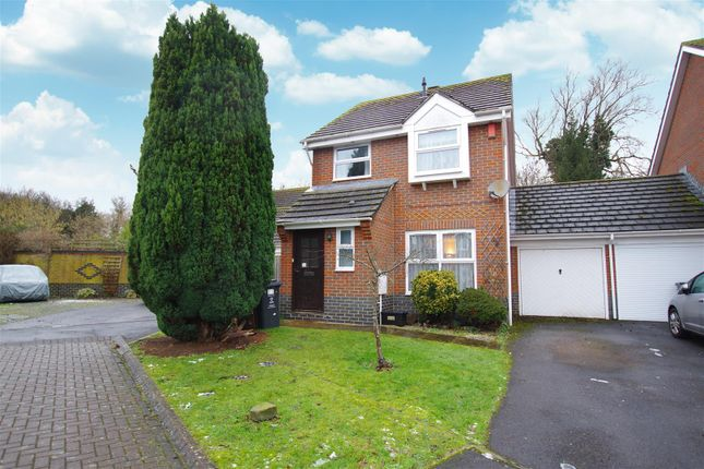 3 bed detached house to rent in Snowshill Close, Abbey Meads, Swindon SN25