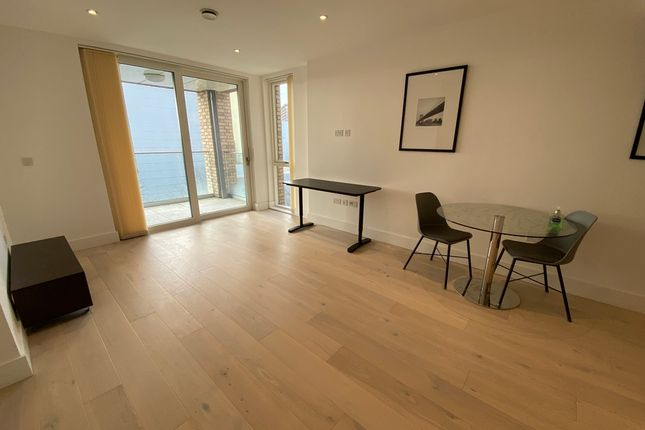 1 bed flat to rent in 24 Quebec Way, Canada Water SE16