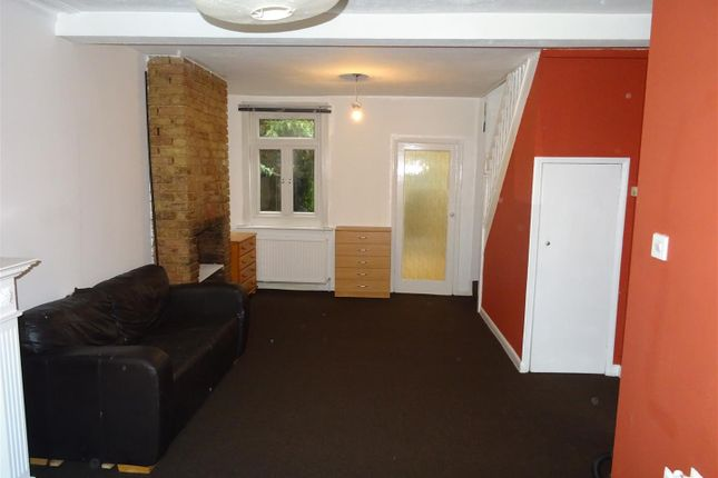2 bed terraced house to rent in Downsell Road, London E15