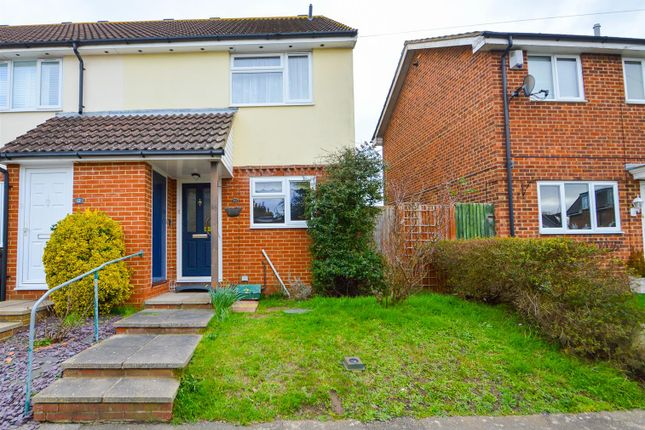 ## Front of Alma Road, Eccles, Aylesford ME20