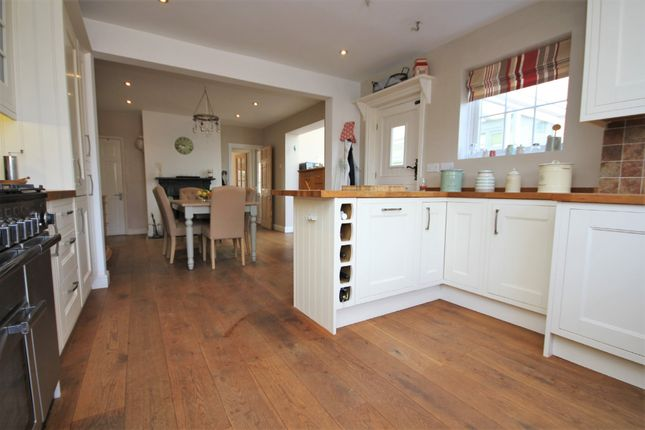 3 bedroom semi-detached house for sale in Laurel Road, Locks Heath, Southampton
