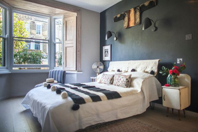 Thumbnail Town house to rent in Montague Road, London