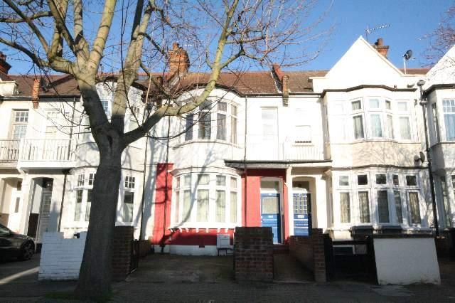 Thumbnail Flat to rent in Hanover Road, London
