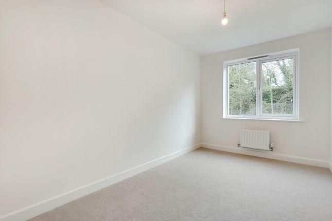 4_Bedroom 2-0 of Fircroft Way, Edenbridge, Kent TN8