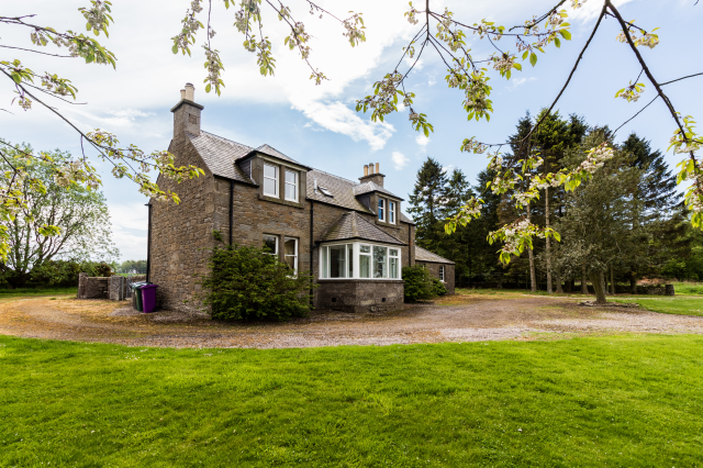 Thumbnail Detached house to rent in Lovehall Farm Cottage Lovehall Road, Wellbank