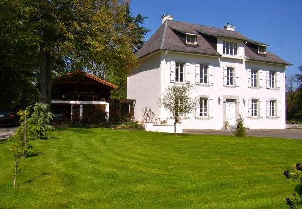 10 bed property for sale in Maison De Maitre, Hautes Pyrenees, Aquitaine