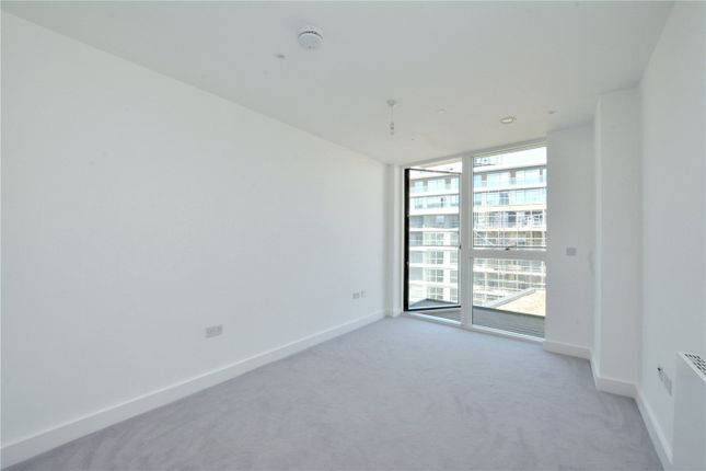 Picture No. 17 of Wyndham Apartments, 67 River Gardens Walk, Greenwich, London SE10