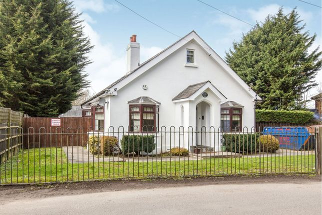 Thumbnail Detached house for sale in Slough Road, Iver