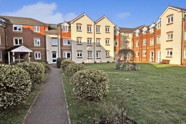 Thumbnail Flat to rent in Ackender Road, Alton
