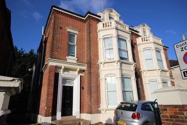 Thumbnail Semi-detached house to rent in Victoria Road North, Southsea