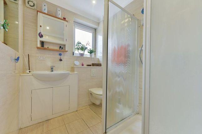 Bathroom of Hassocks Road, Streatham Vale, London SW16