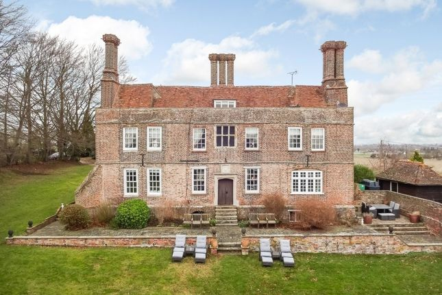 Thumbnail Country house for sale in Ellesborough Road, Wendover, Aylesbury