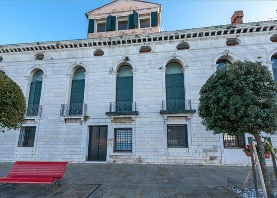 3 bed apartment for sale in Giudecca, Venezia, Italy