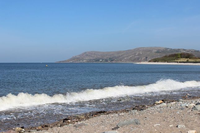 Thumbnail Flat for sale in Marine Crescent, Deganwy