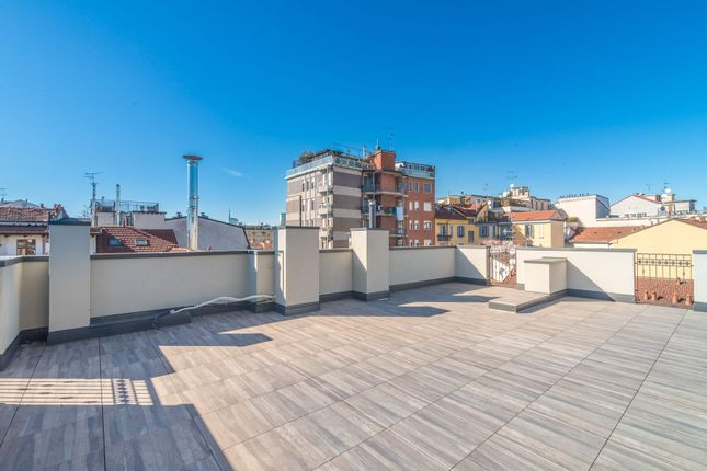 2 bed apartment for sale in Milan, Italy