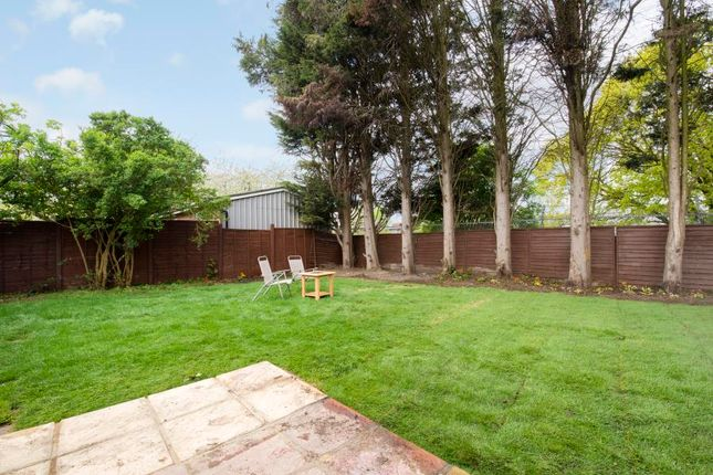 Flat to rent in Highfield Road, London
