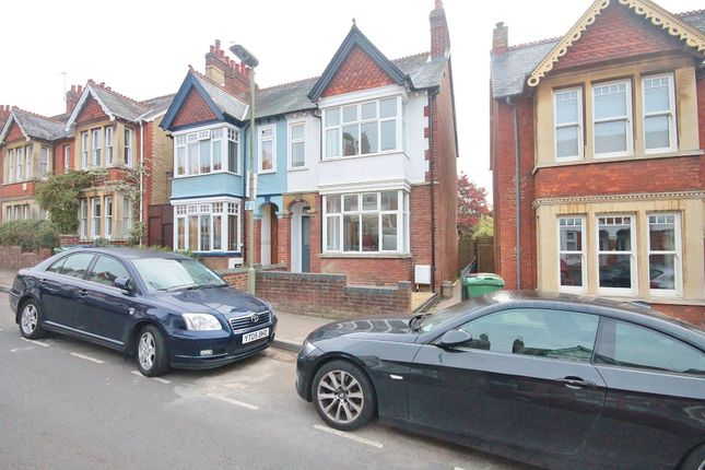 Thumbnail Semi-detached house to rent in Divinity Road, Oxford