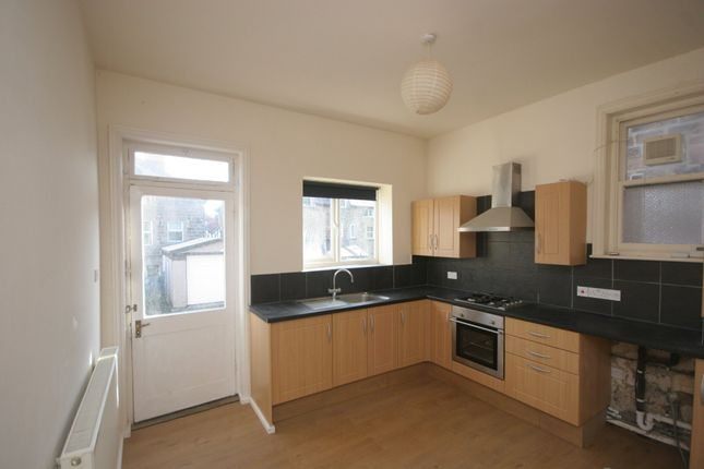 Thumbnail Flat to rent in Spring Mount, Harrogate