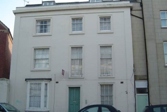 Thumbnail Flat to rent in Flat 3, 6 Radford Road, Leamington Spa