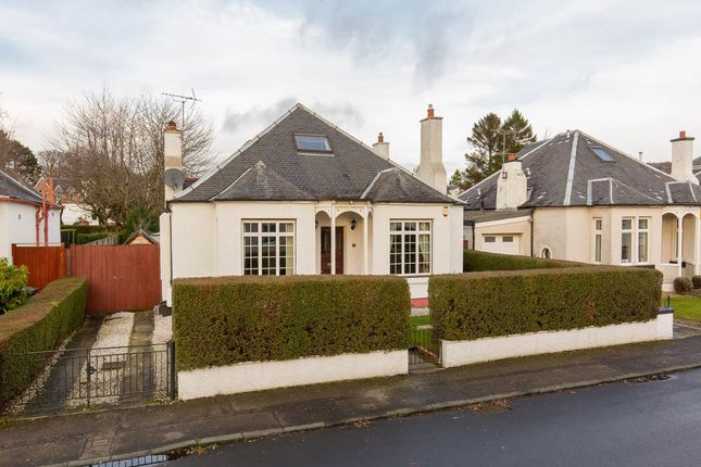 3 bed flat to rent in Castle Avenue, Corstorphine, Edinburgh EH12