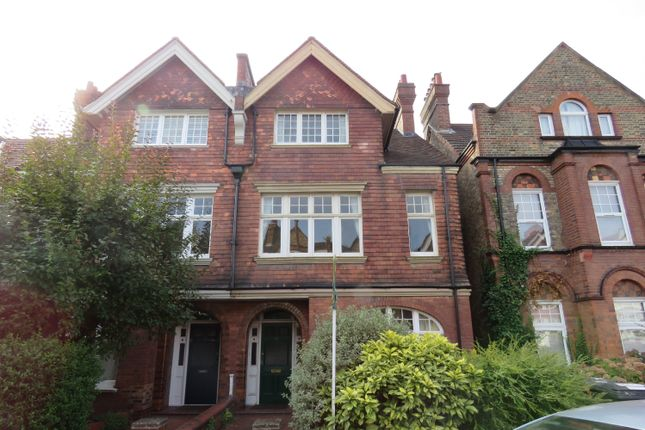 Thumbnail Flat to rent in Kingsmead Road, Tulse Hill