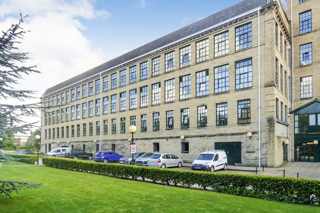2 bed flat for sale in Victoria Road, Saltaire, Shipley BD18