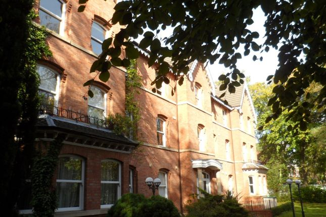 Thumbnail Flat to rent in Belvedere Gardens, Heaton Moor Road, Heaton Moor