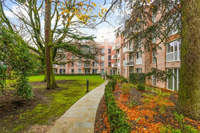 3 bed flat for sale in Chapelwood, Alderley Road, Wilmslow, Cheshire SK9