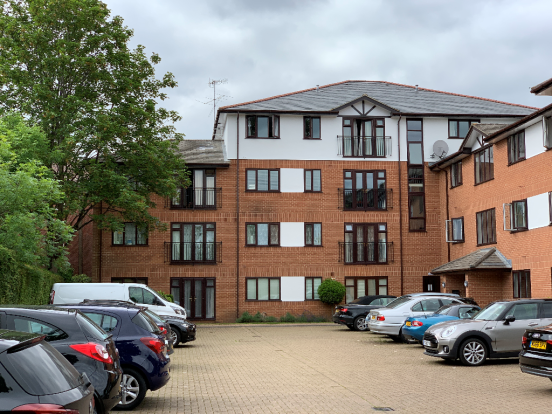 Thumbnail Flat to rent in Station Road, Henley