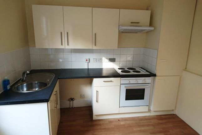 1 bed flat to rent in Lea Road, Enfield