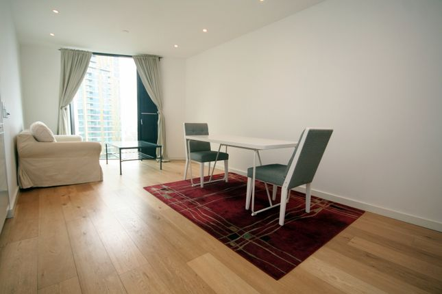 Thumbnail Flat to rent in Strata Building, Walworth Road, London