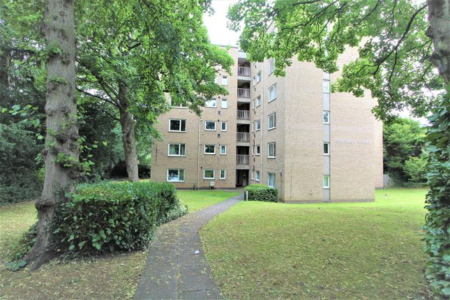 Thumbnail Flat for sale in Lyndhurst Court, Albert Road, Leicester