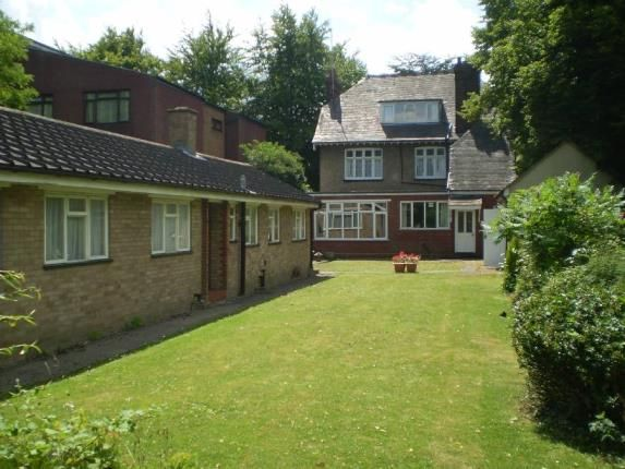 Thumbnail Detached house for sale in Marsh Road, Luton, Bedfordshire