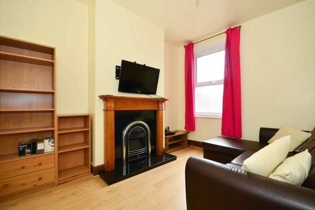 Thumbnail Property to rent in Idmiston Road, Stratford