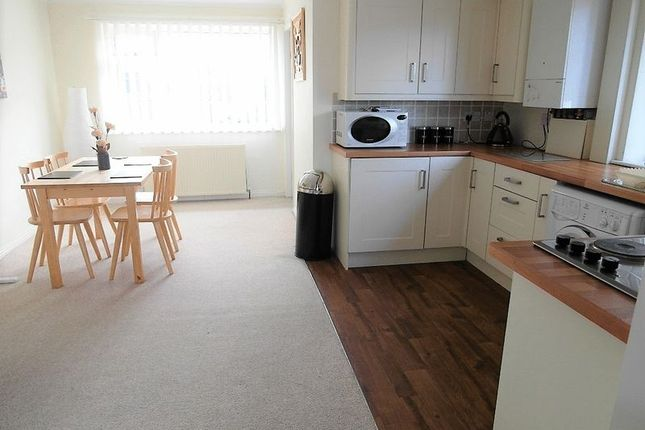 Thumbnail Flat to rent in Daffil Grove, Morley, Leeds