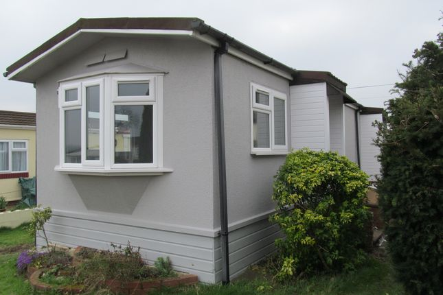 Thumbnail Mobile Park Home For Sale In Wickens Meadow Rye Lane Dunton Green