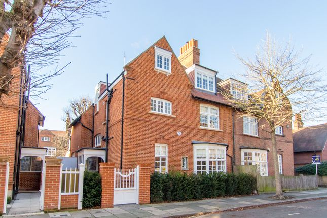 Thumbnail Semi-detached house to rent in Queen Annes Grove, London