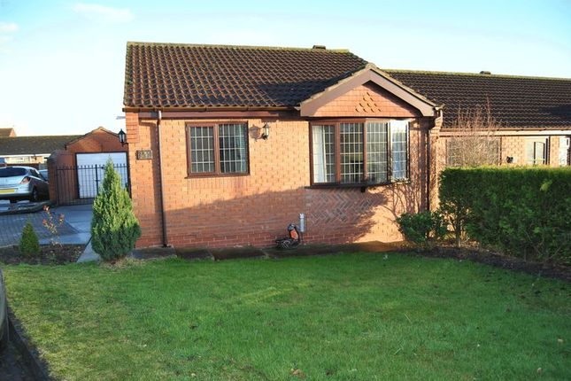 Thumbnail Semi-detached bungalow to rent in Hadleigh Green, Burringham, Scunthorpe