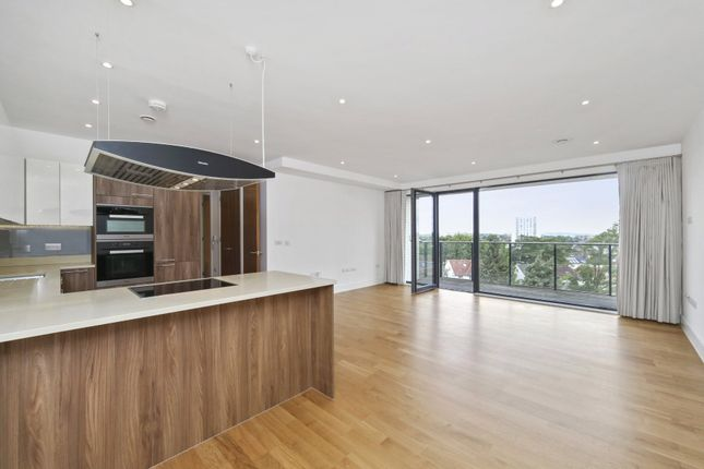 Thumbnail Flat for sale in Llanvanor Road, Childs Hill, London