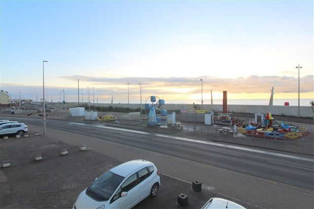 Property Views. of North Promenade, Thornton-Cleveleys FY5